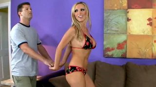 Awesome blonde Nikki Benz seduces man for steamy sex